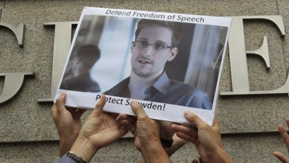 Edward-Snowden-foto-size-598
