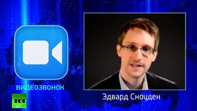 snowden-putin-spy-online.si